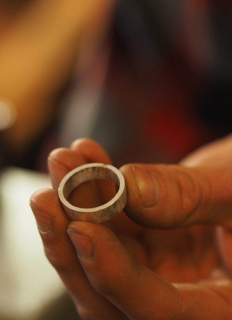 Making your own wedding rings: memories that last a lifetime